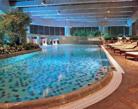 Swimming pool Hilton Chongqing