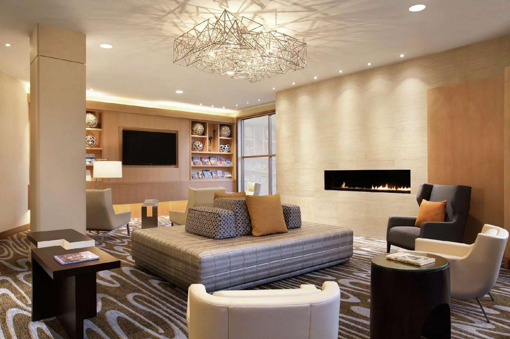 Lobby DoubleTree Suites by Hilton Hotel Boston – Cambridge