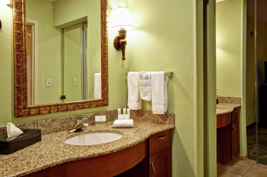 1 King Hearing Accessible Studio Non-Smoking - Guestroom Homewood Suites by Hilton Ocala