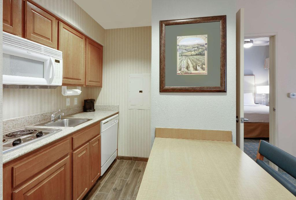 1 King 1 Bedroom Pool View Non-Smoking Homewood Suites by Hilton San Diego-Del Mar - CA Hotel