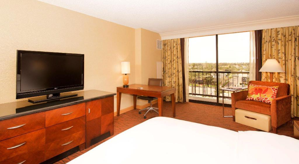 1 King Bed Superior Room - Guestroom