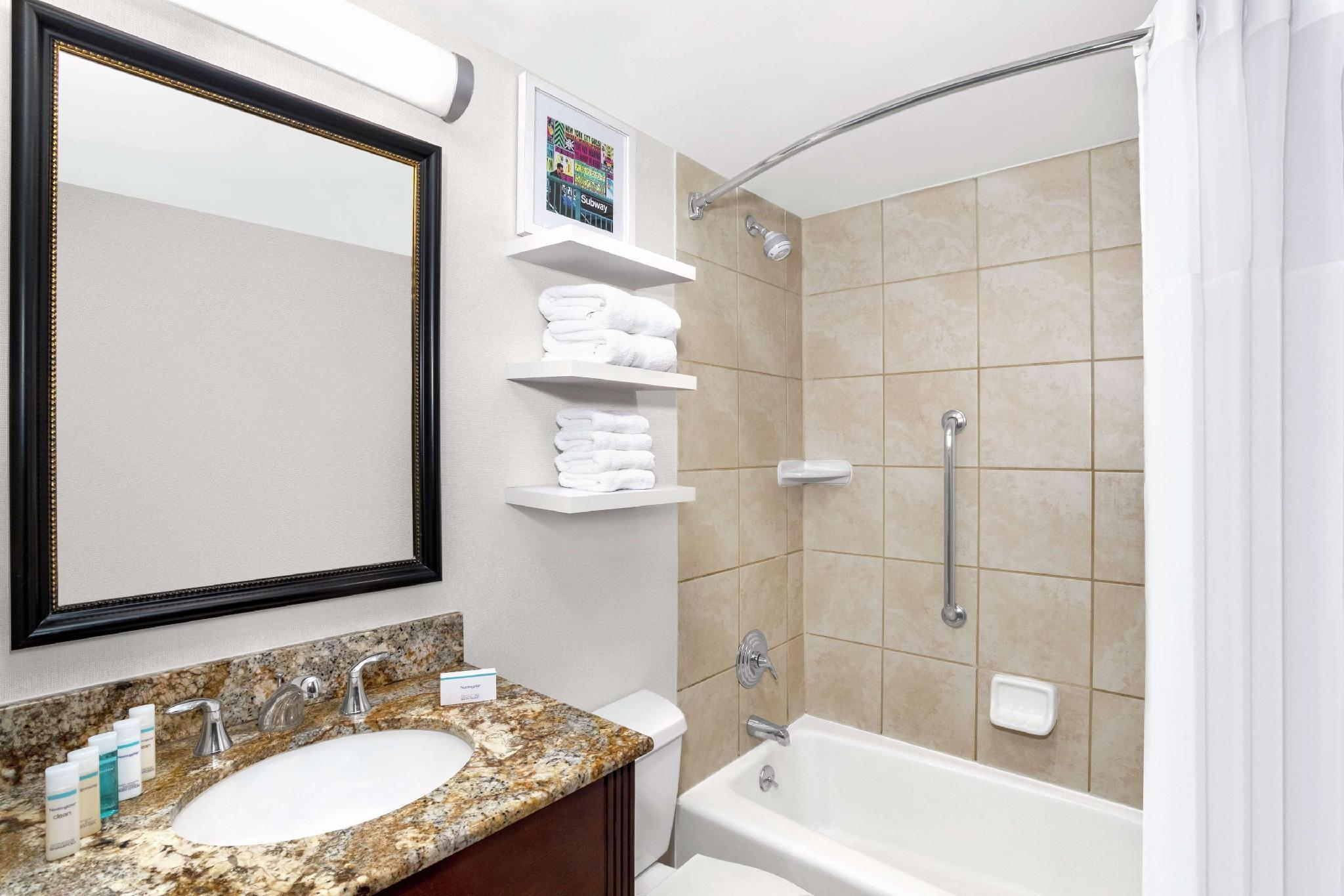 Book Hampton Inn New York Empire State Building in New York (NY), United  States - 2020 Promos