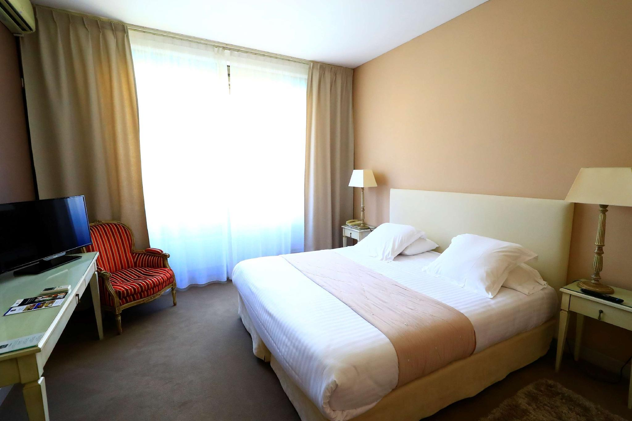 Superior Δωμάτιο με Queen Size Κρεβάτι (Superior Room with Queen Bed)