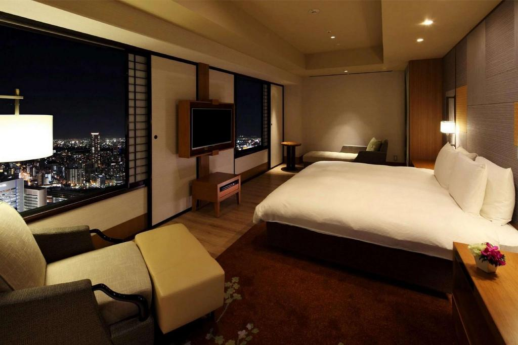 King Presidential Suite - Guestroom