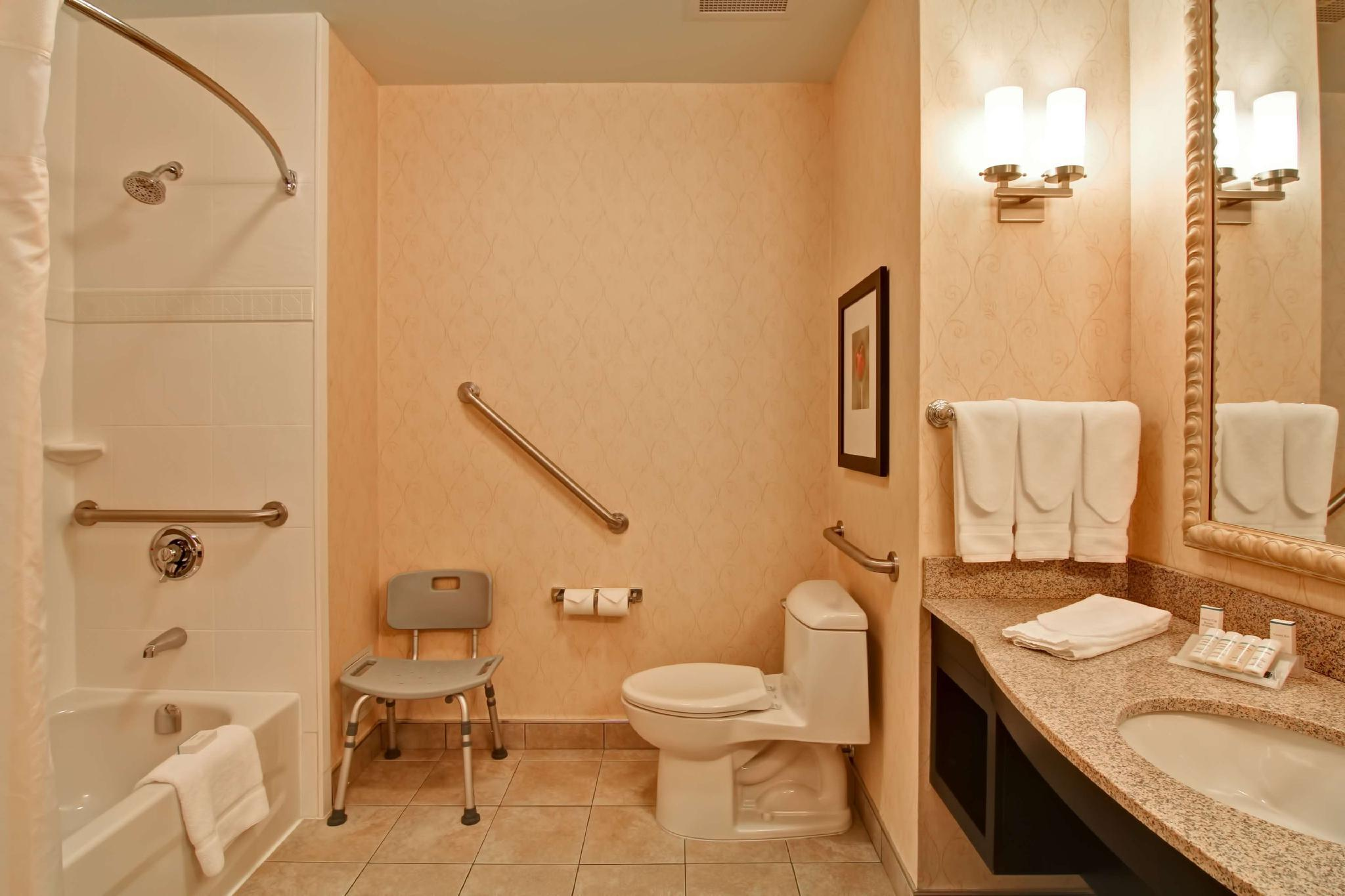 2 Queen Accessible Room with Bath Tub