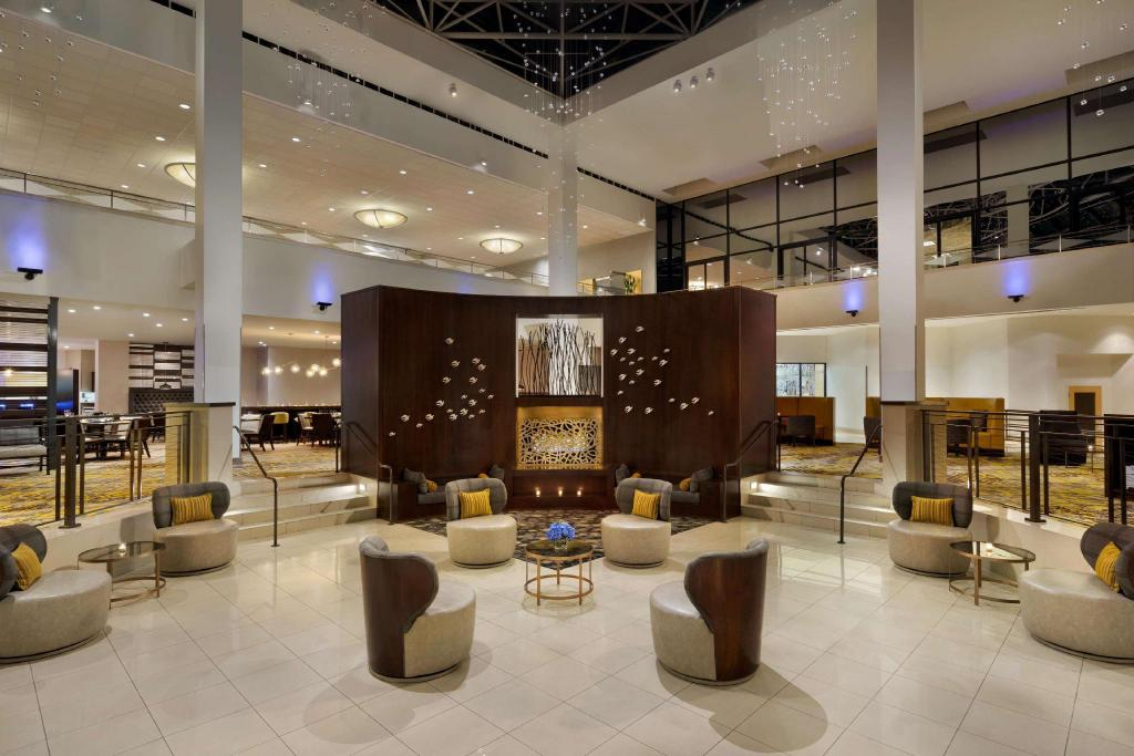 Lobby Hilton Stamford & Executive Meeting Center Hotel