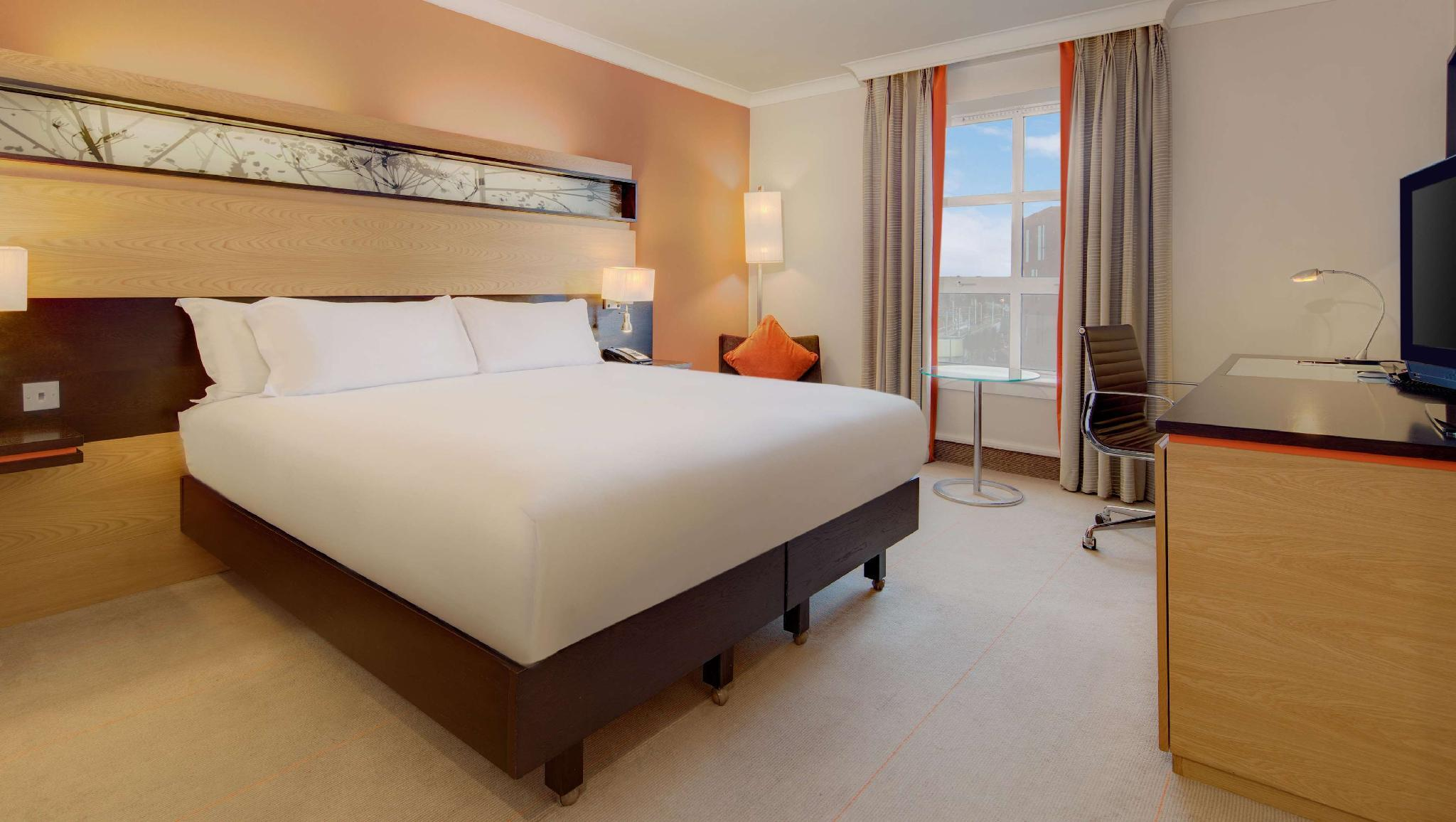 Hilton Kamer met Kingsize Bed (King Hilton Guest Room)