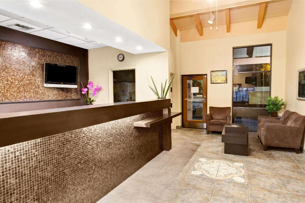 Lobby Super 8 By Wyndham Kissimmee Maingate Orlando Area