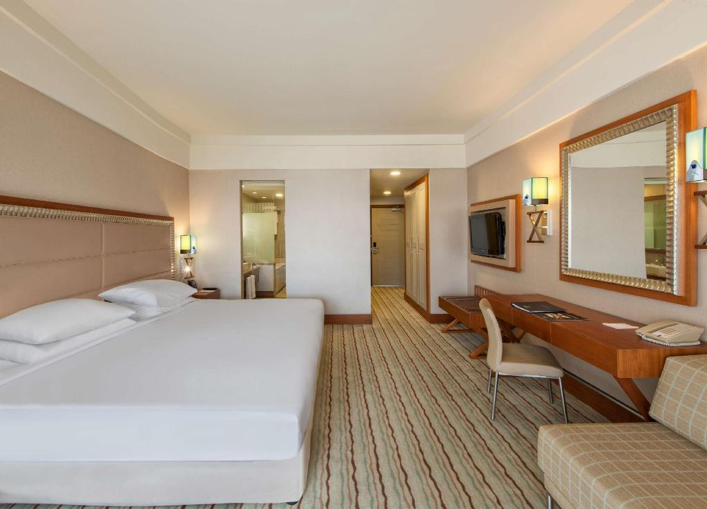 King Guestroom with Pool Access - Guestroom Hilton Dalaman Resort and Spa