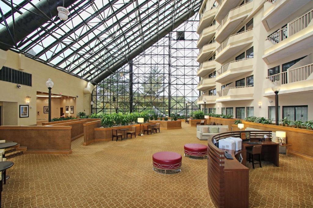 Doubletree By Hilton Newark Airport Hotel In Newark Nj Room