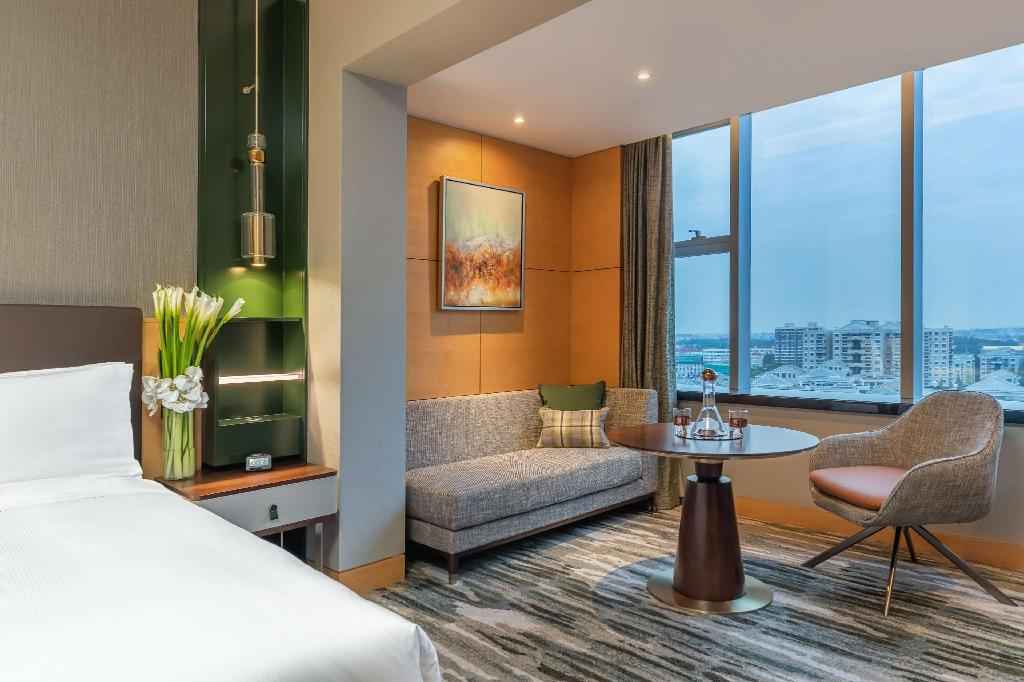 King Executive Studio - Guestroom Hilton Shanghai Hongqiao