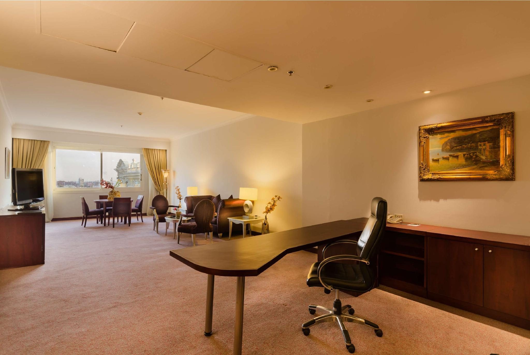 Executive Royal Suite
