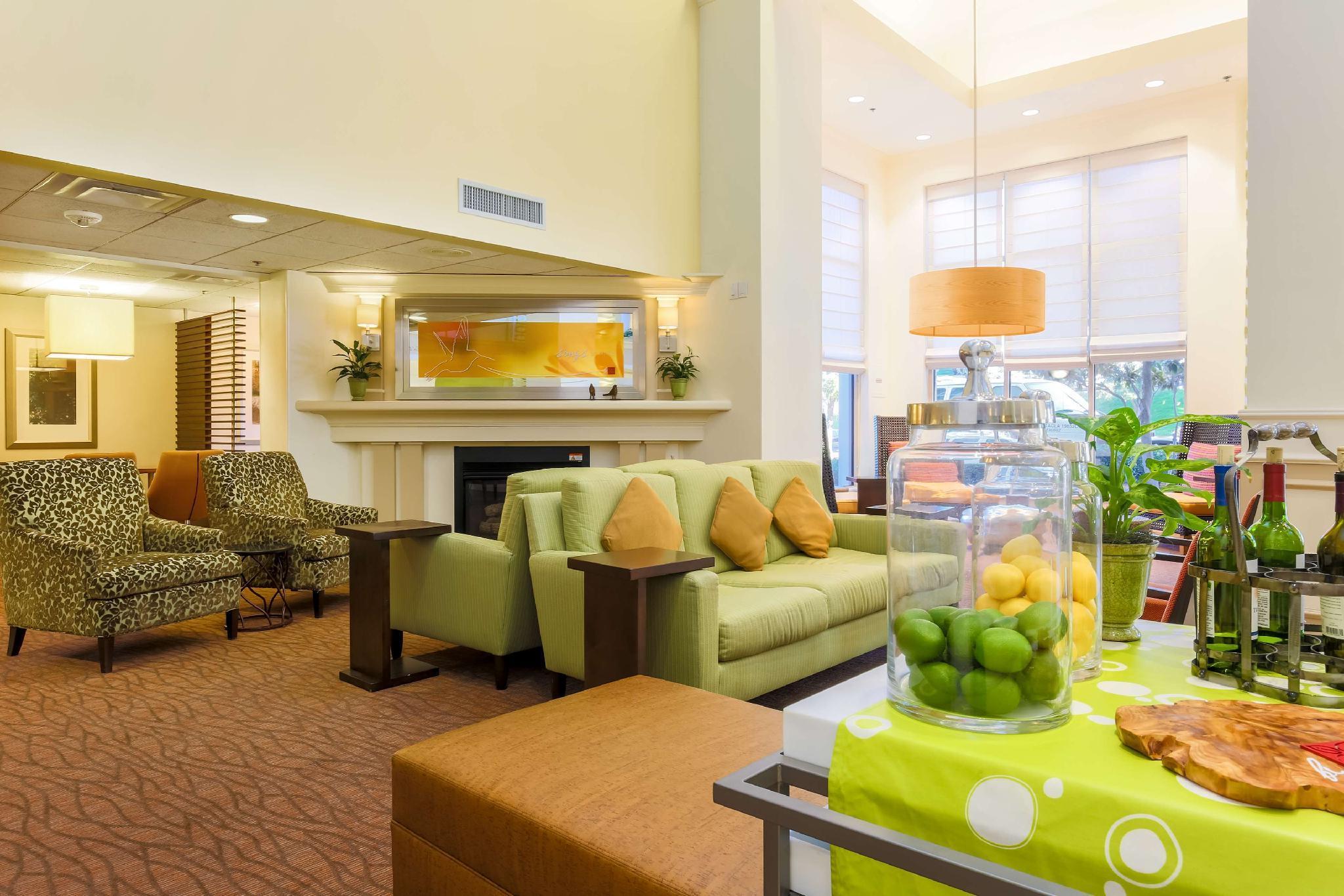 Hilton Garden Inn Dallas Market Center Hotel In Dallas (TX ...