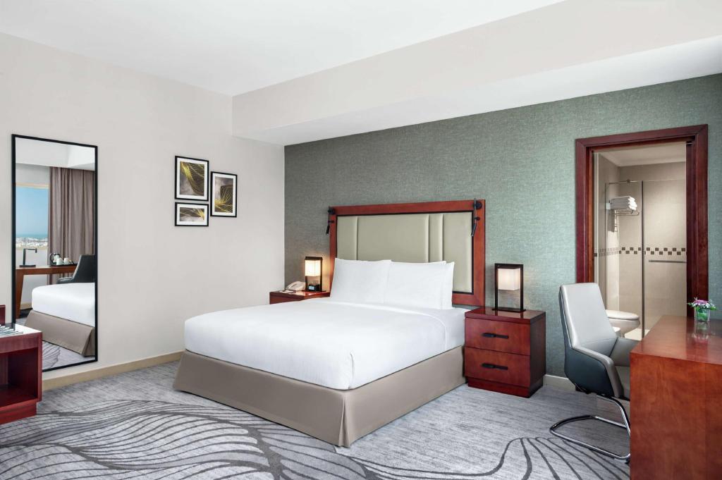 DoubleTree by Hilton Ras Al Khaimah (Рас-эль-Хайма) – цены и отзывы на Agoda