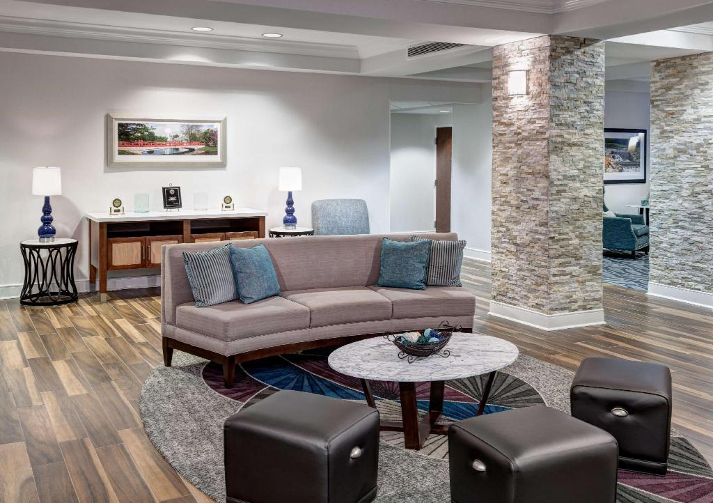 Lobby Homewood Suites by Hilton Huntsville Village of Providence