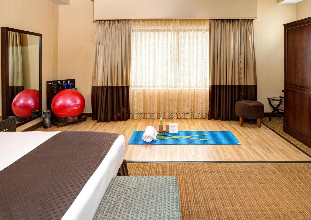 1 King Yoga Room Non-Smoking - Номер
