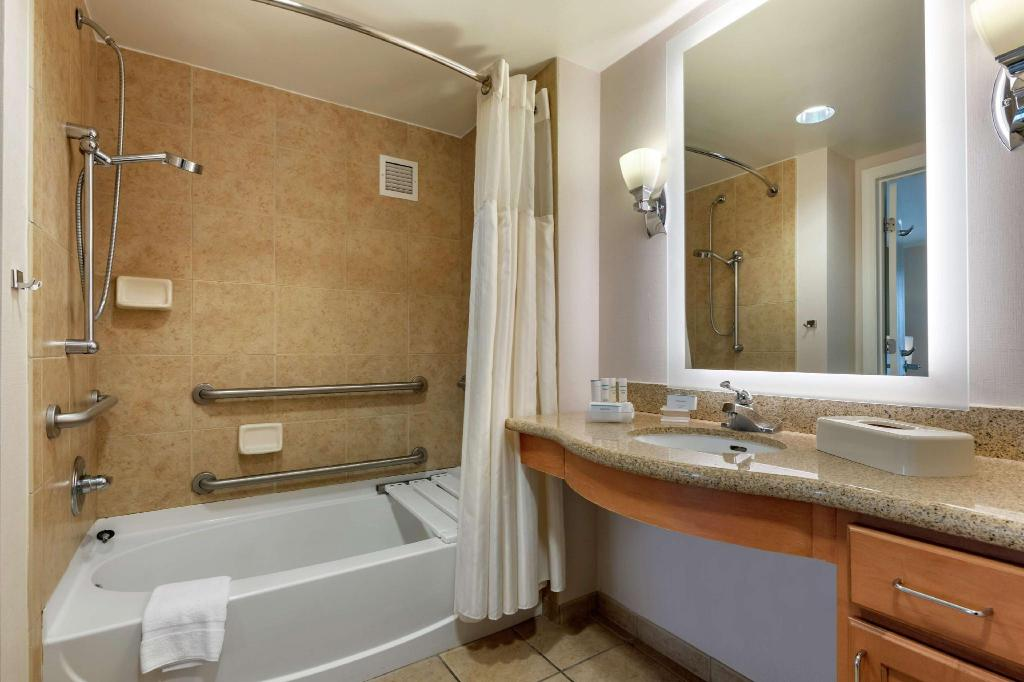 1 King Accessible Tub Studio Non-Smoking - Guestroom Homewood Suites by Hilton Daytona Beach Speedway-Airport Hotel