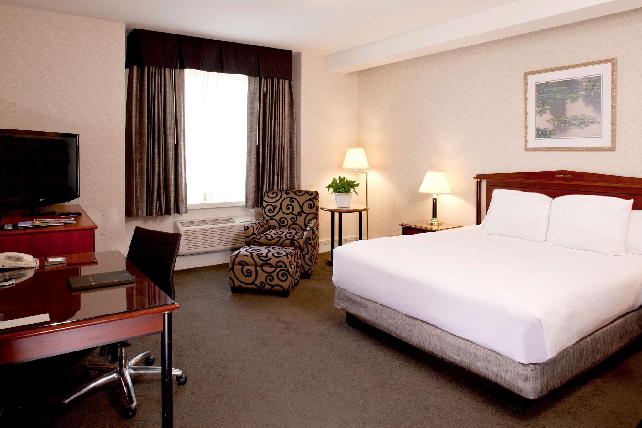 Hilton Netherland Plaza Hotel in Cincinnati (OH) - Room ...