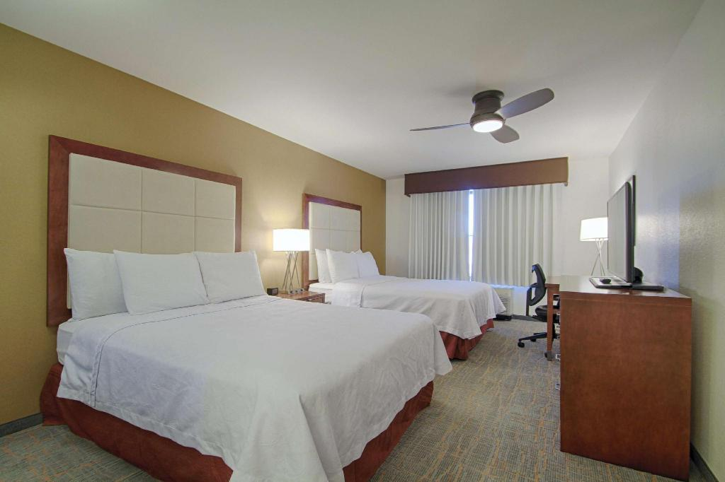 1 King 2 Queen Mobility Hearing Accessible Suite Non-Smoking - Guestroom Homewood Suites by Hilton Las Vegas Airport