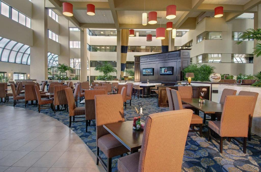 Lobby Embassy Suites by Hilton West Palm Beach Central