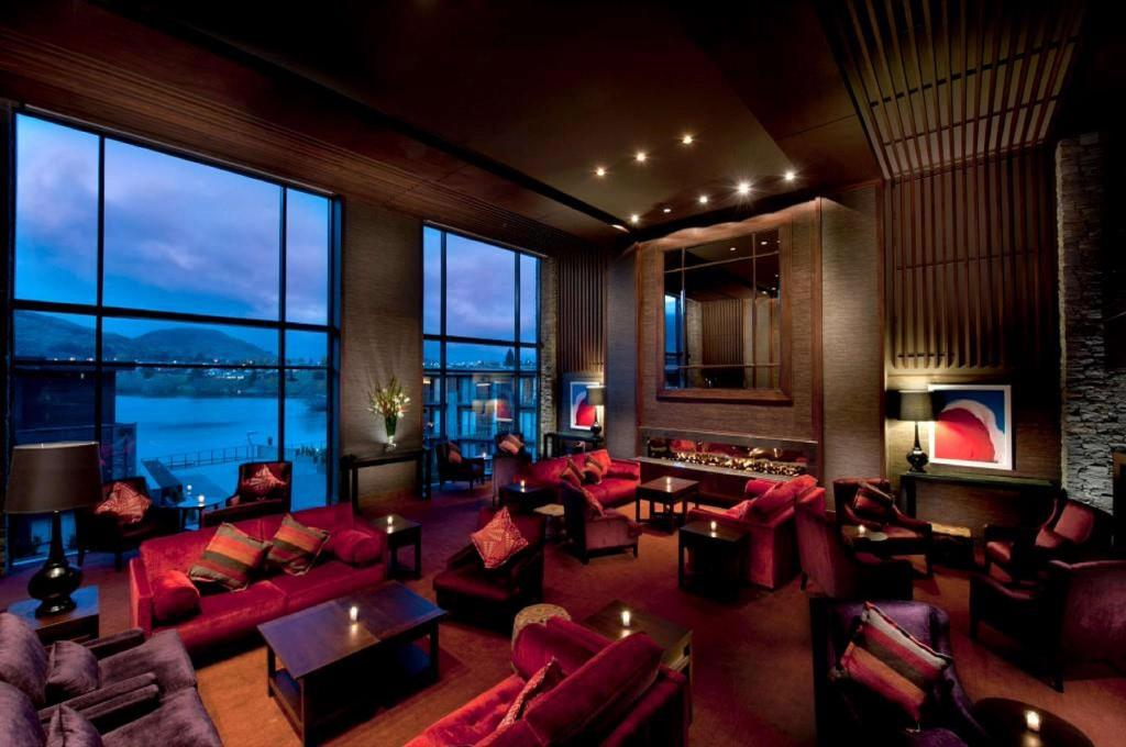 Lobby Hilton Queenstown Resort and Spa