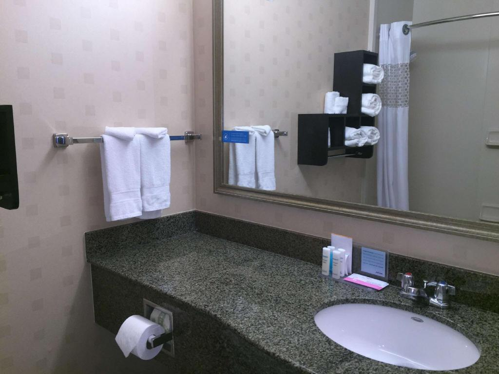 King Standard Non-Smoking - Guestroom Hampton Inn & Suites Mountain View - CA Hotel