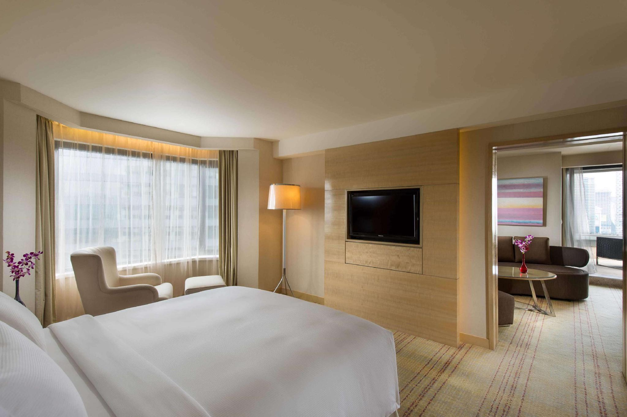 1 King Bed Terrace Suite
