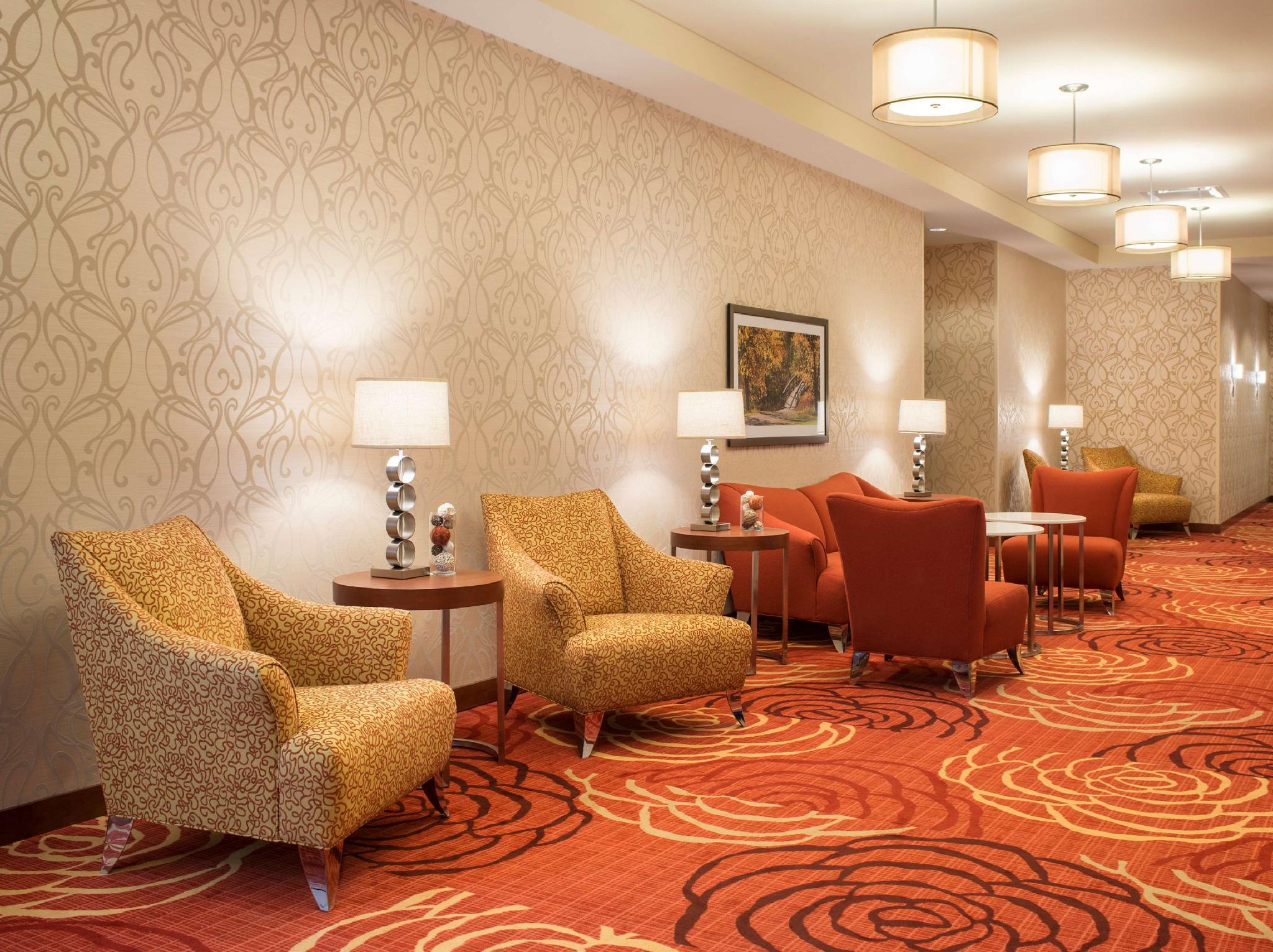 Homewood Suites by Hilton Winnipeg Airport Polo Park Hotel