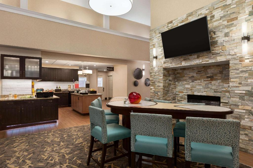 Lobby Homewood Suites by Hilton Dallas – Park Central Hotel