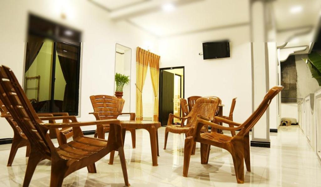 Salonek City Lagoon Guest House Batticaloa