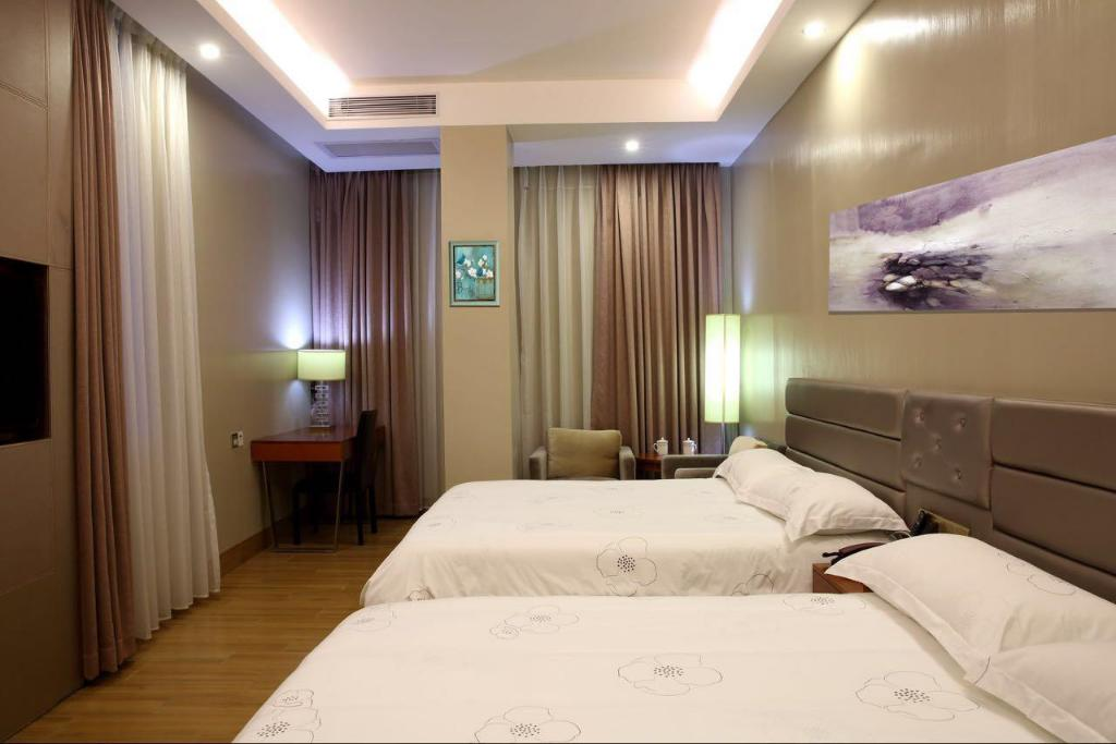 Phòng nghỉ TIE LV Holiday Hotel