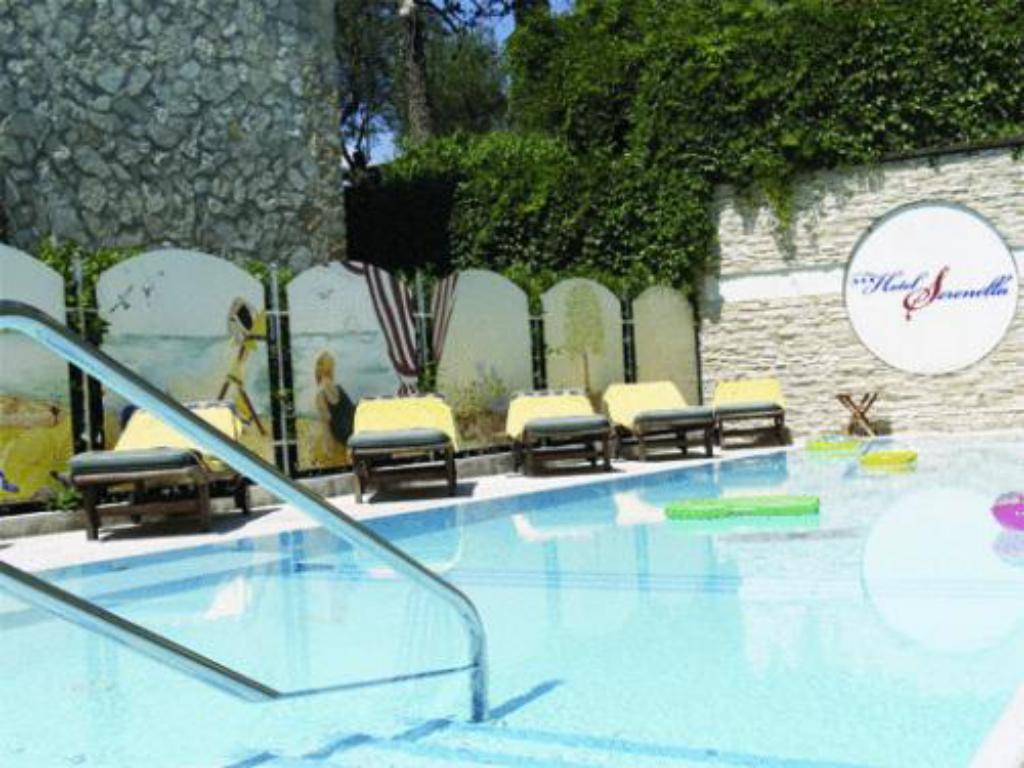 Swimming pool Hotel Serenella
