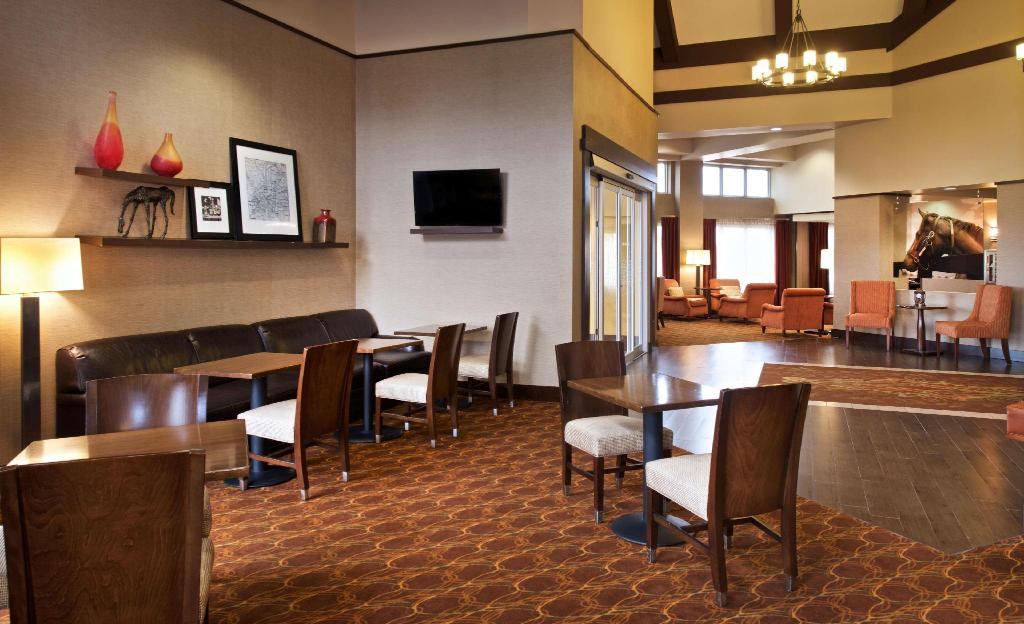 Lobby Hampton Inn & Suites North Fort Worth Alliance Airport