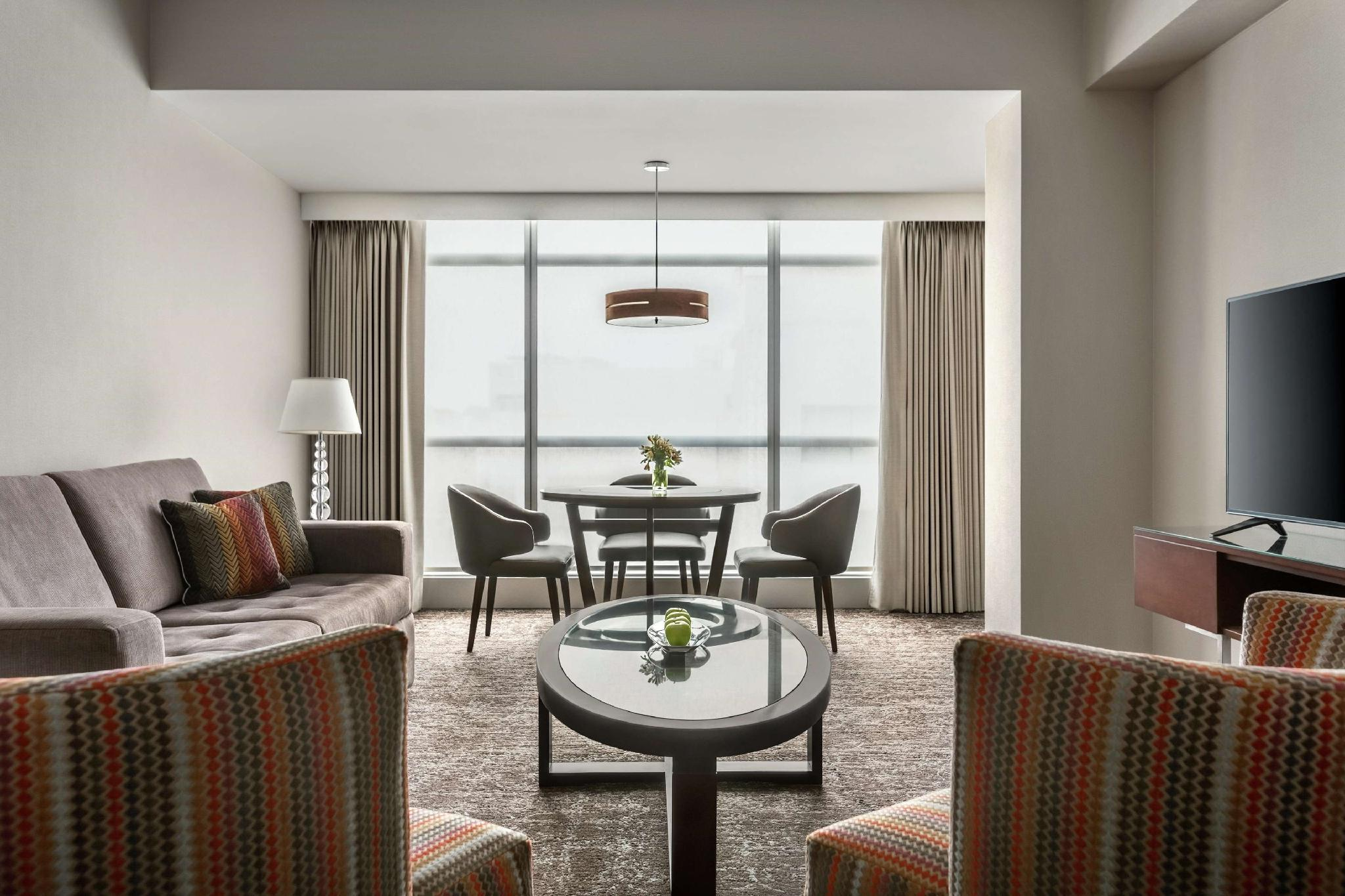 Picture of: El Pardo Doubletree By Hilton Hotel Lima Booking Deals Photos Reviews