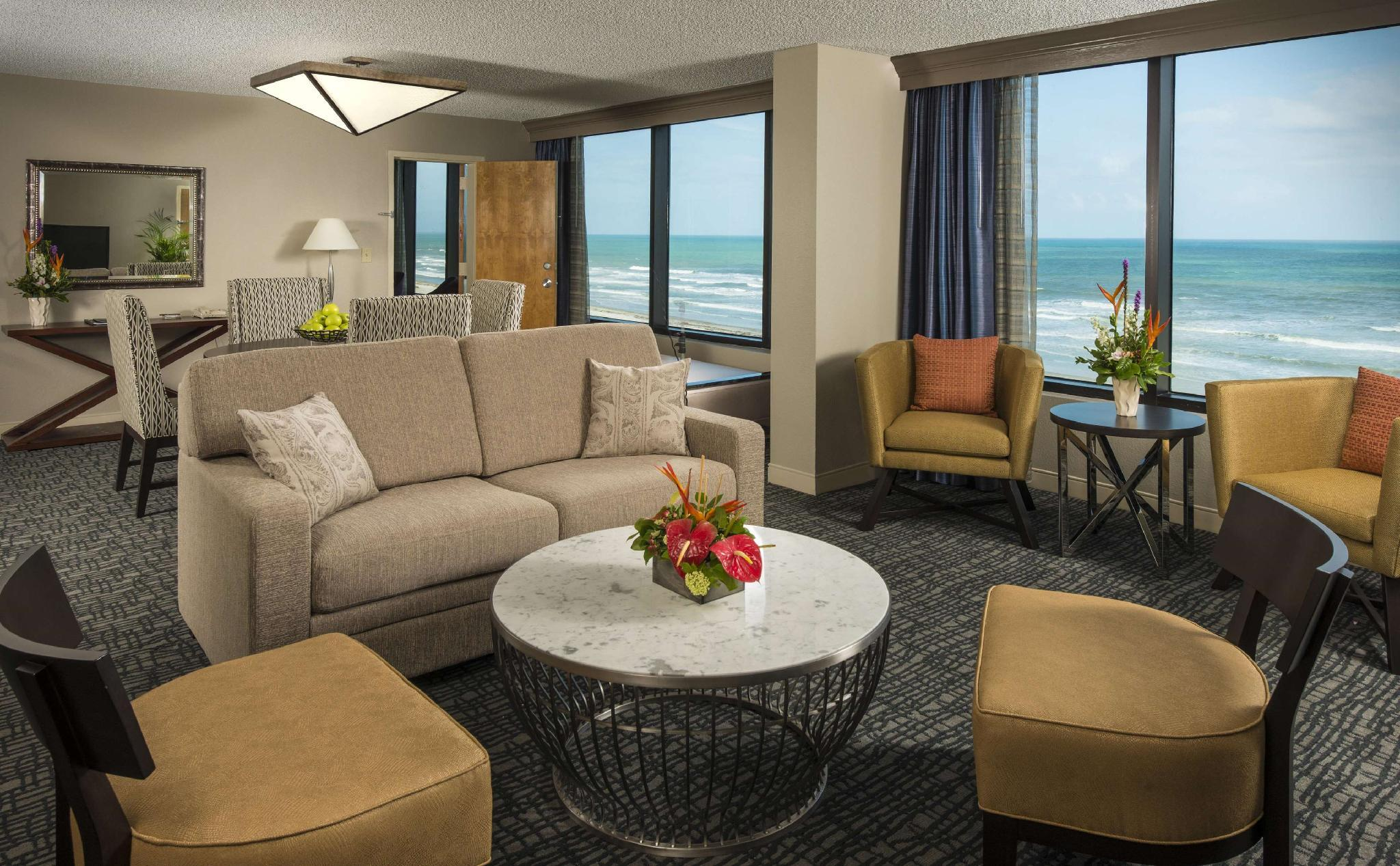 1 Bedroom Oceanfront Suite