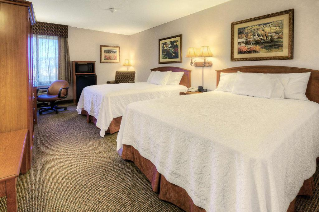 2 Queen Beds Non-Smoking - Guestroom Hampton Inn Missoula