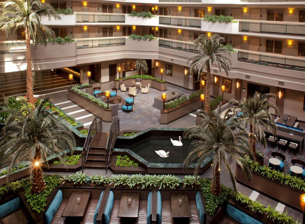 Lobby Embassy Suites Houston - Near the Galleria