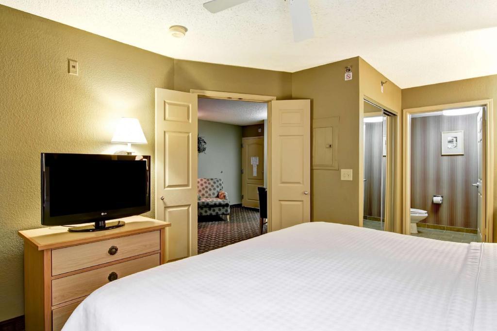 Enjoyable Homewood Suites By Hilton Austin Arboretum Northwest Hotel Inzonedesignstudio Interior Chair Design Inzonedesignstudiocom