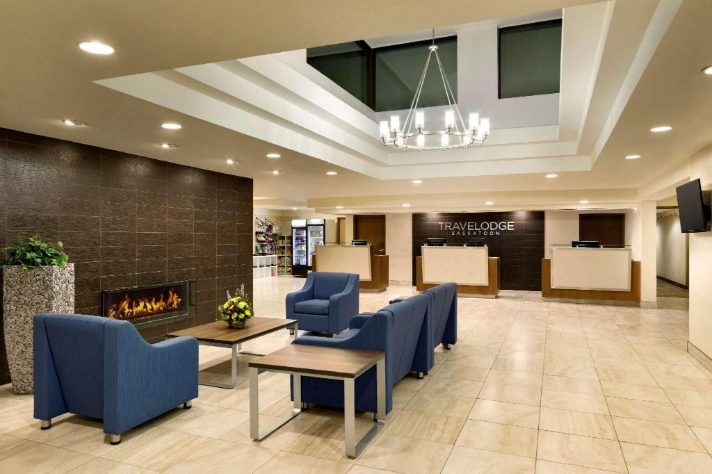 Hành lang Travelodge by Wyndham Saskatoon