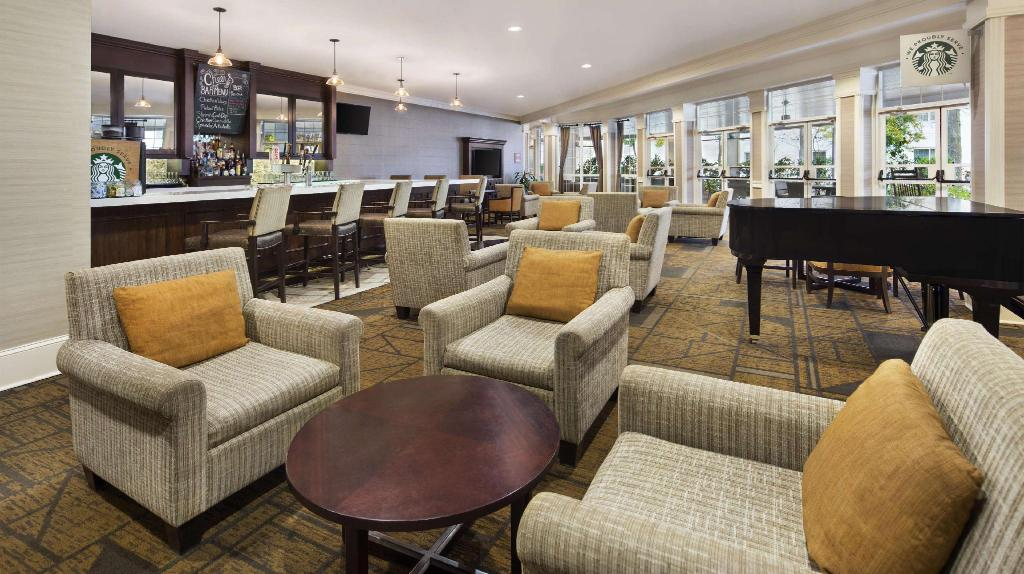 Lobby DoubleTree Raleigh Durham Airport at Research Triangle Park