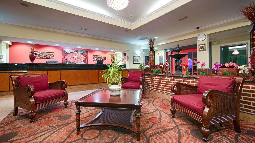 Lobby Best Western Plus Airport Inn and Suites