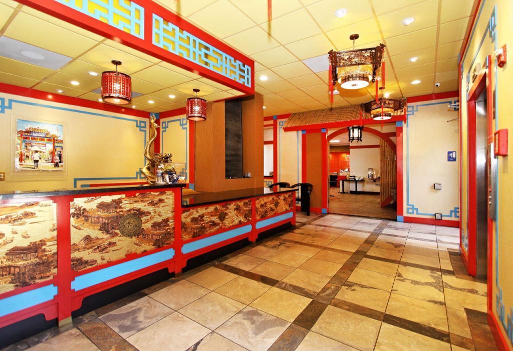 Best Western Plus Dragon Gate Inn In Los Angeles Ca