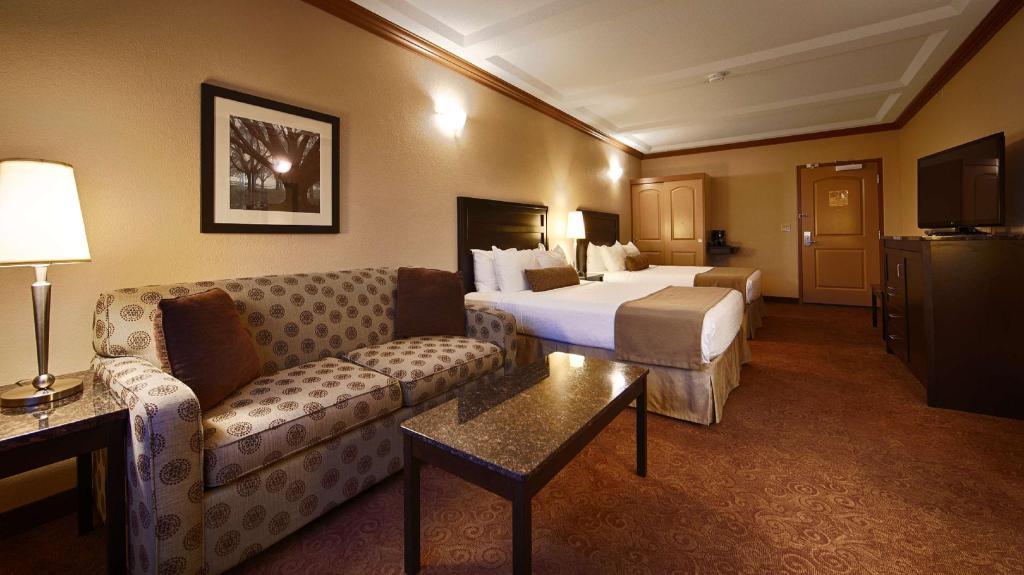 Best Western Plus Kamloops Hotel Best Western Plus Kamloops Hotel In Kamloops Bc Room Deals Photos Reviews