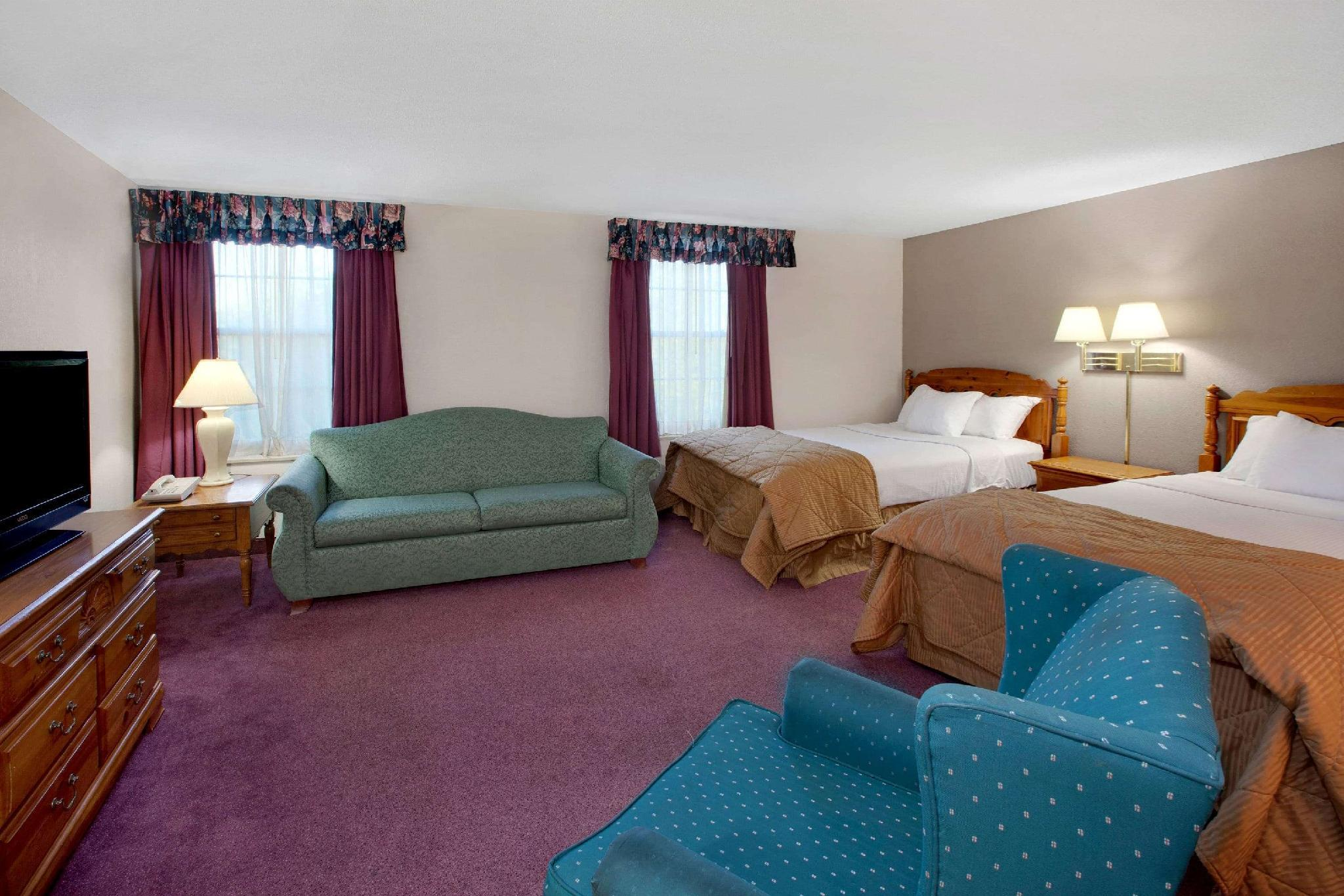 Ramada Plaza By Wyndham Sault Ste Marie Ojibway Hotel Sault Ste Marie Mi Deals Photos Reviews
