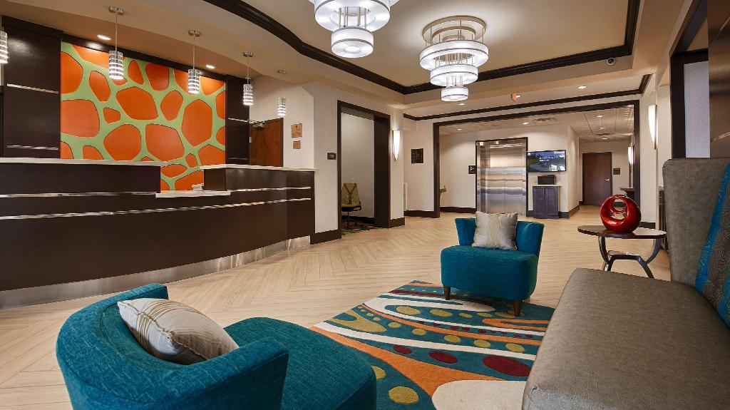 Lobby Best Western Premier Ashton Suites-Willowbrook