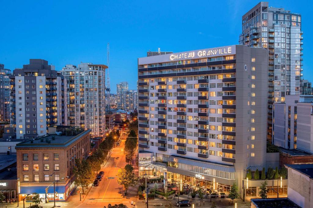 Best Western Premier Chateau Granville Hotel Suites Conference Centre In Vancouver Bc Room Deals Photos Reviews