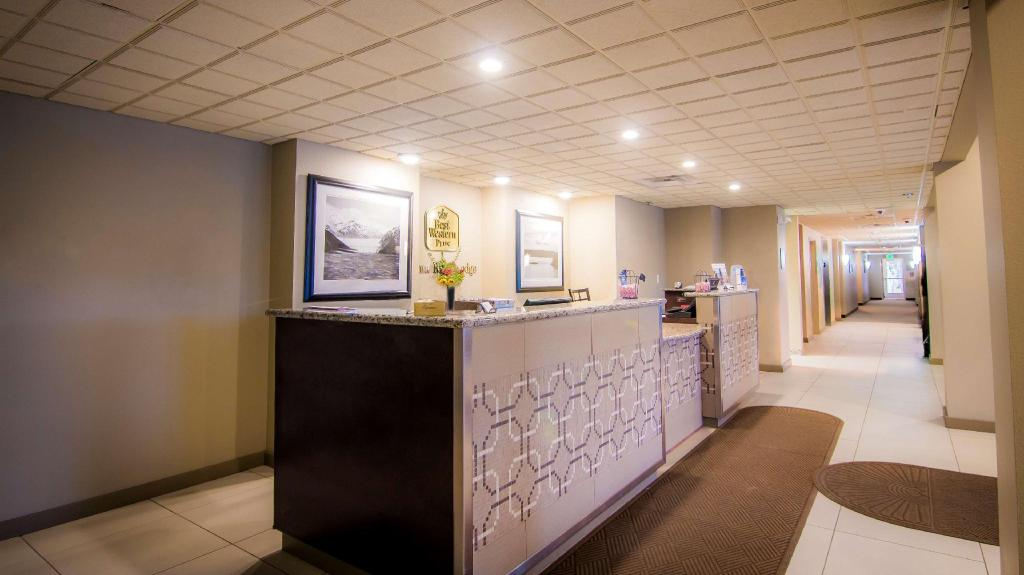 Lobby Best Western Plus Chena River Lodge