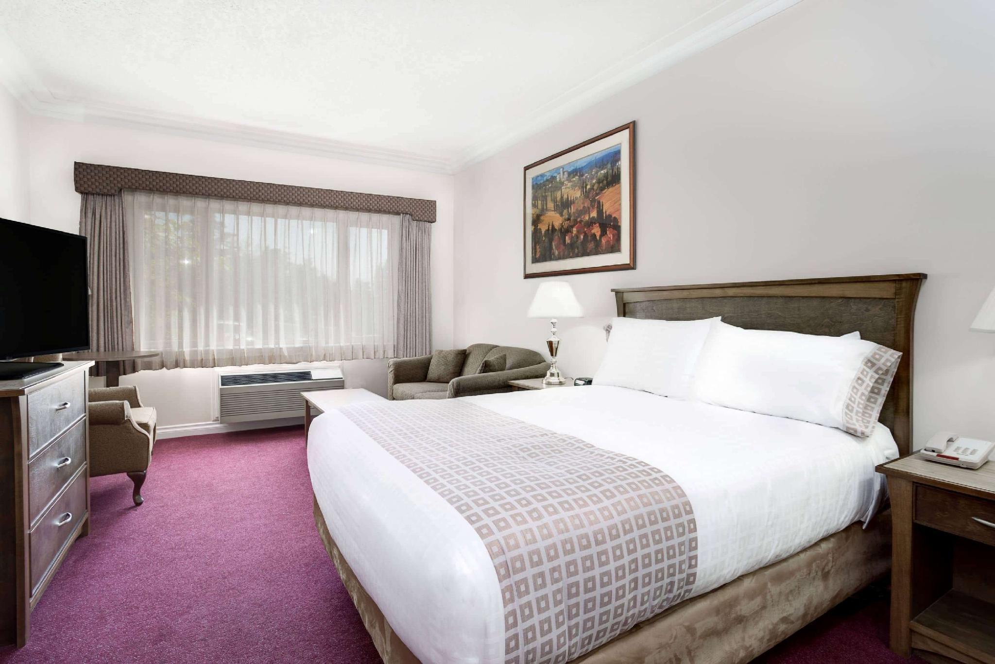 Howard Johnson Hotel Suites By Wyndham Victoria Elk Lake Saanich Bc 2021 Reviews Pictures Deals