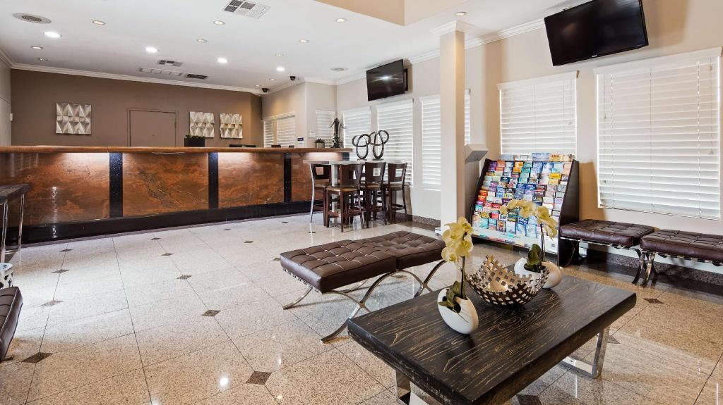 Lobby Best Western Airpark Hotel- Los Angeles LAX Airport
