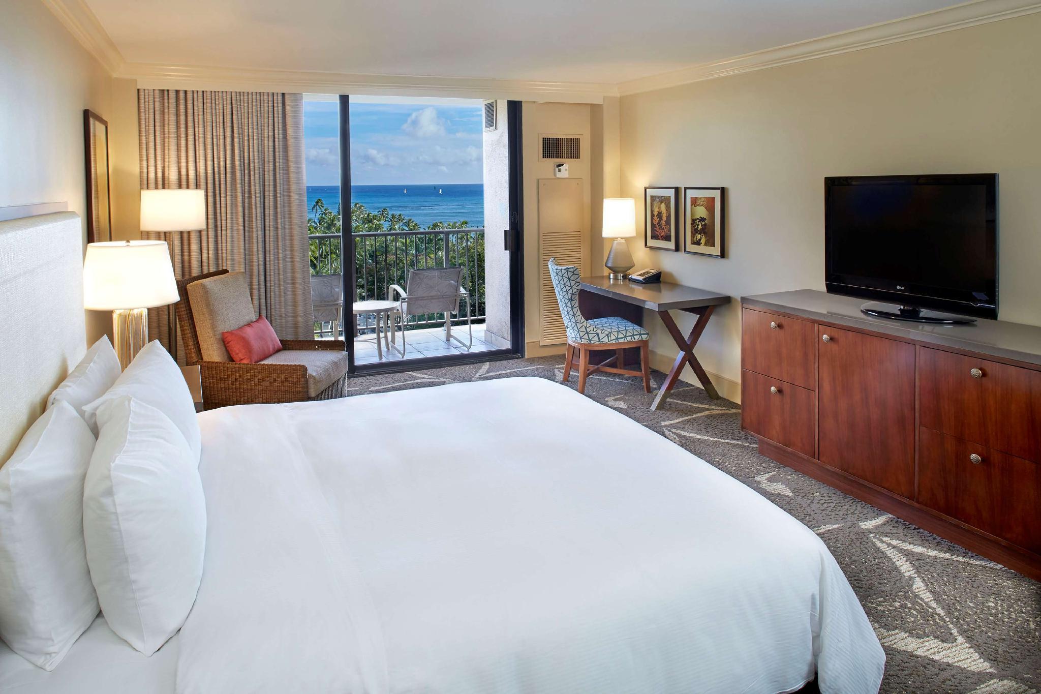 Hilton Hawaiian Village Waikiki Beach Resort In Honolulu Hi